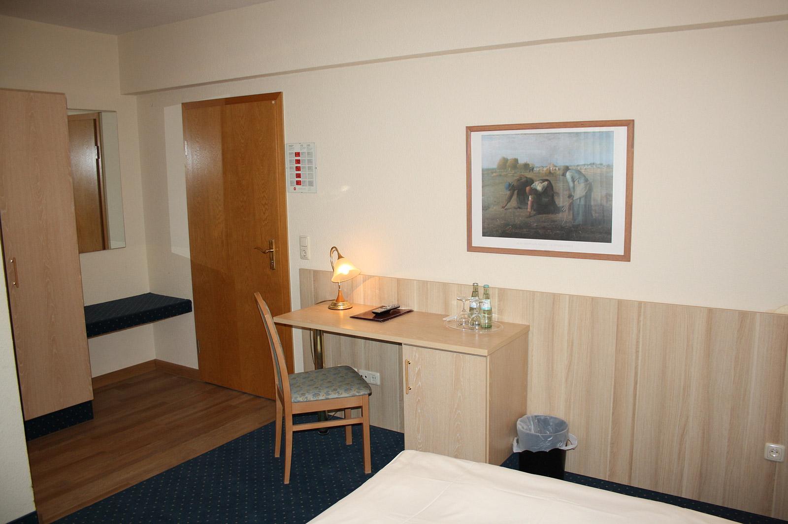 Hotel-zur-Waage-Zimmer-03